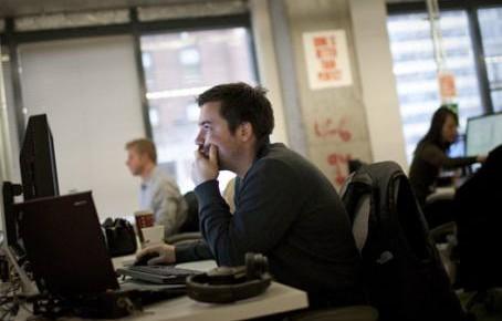 Revisar las políticas de privacidad de redes sociales puede tomar 180 horas